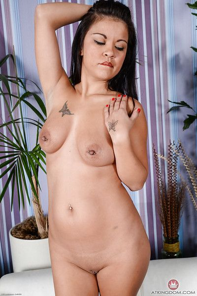 Melodious Oriental broad Jacky Fay-Lynn widen bald and entered gentile in barefeet