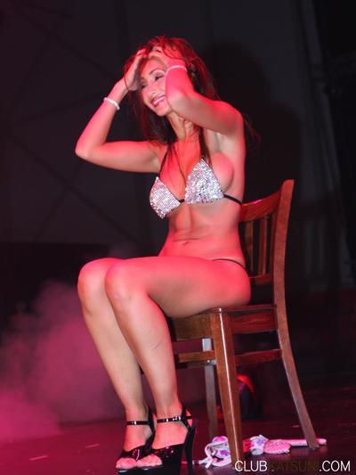 Round boobed eastern breathtaker Katsuni does erotic dancing in the nightclub