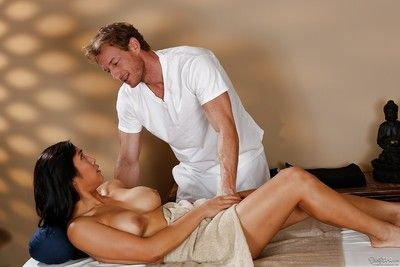 Vivacious masseur can\