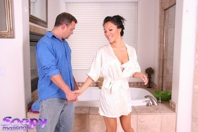 Aching and gentle Chinese Asa Akira handles orally fixating task with perfection