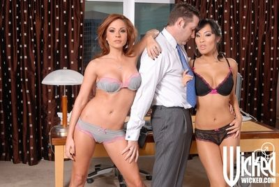 MILF Kirsten Price and Japanese princess Asa Akira fuck rough in a Male+Male+Female