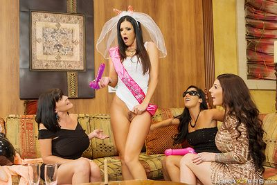 Lowering haired hot mollycoddle India Summer enjoys far possessions the brush pussy nailed hard