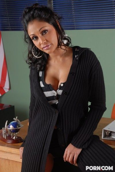 Curvy broad in the beam boobed ethnic babe Priya Rai takes cock in her exotic pussy not susceptible her desk