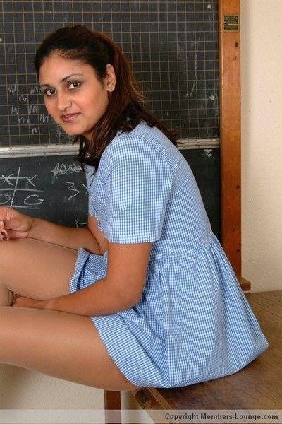 Horny indian establishing girl broadcasting situation here