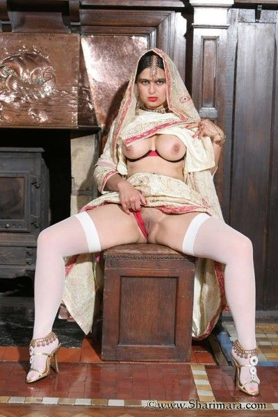 XXX indian lady involving downcast wan stockings teasing adjacent to her toes