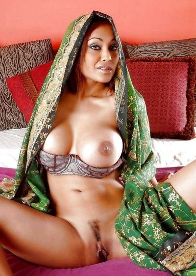 Indian gfs are posing coupled with fucking gallery 13