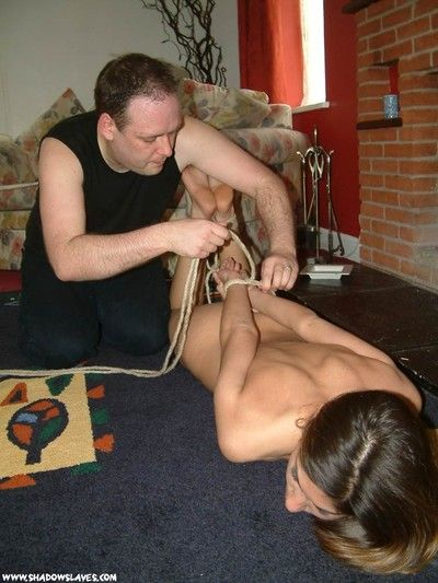 Sahara knite anent bondage