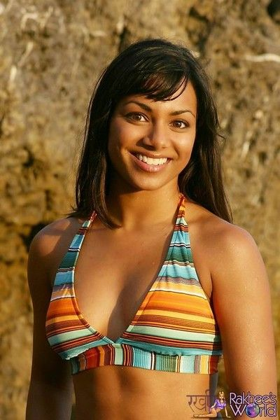 Indian brunette babe posing in bikini alfresco