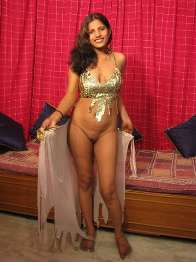 Sexy desi doll spreads their way wings in the air show their way shaved indian pussy