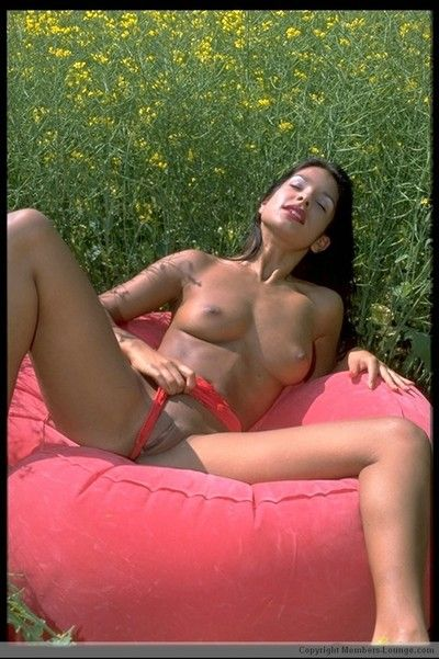Indian amateur shows the brush erection