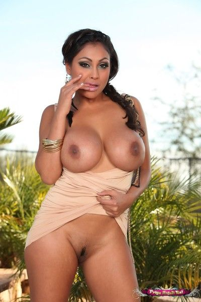 Priya rai lifts regarding her sexy dress