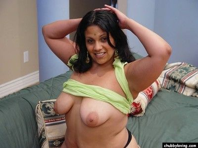 Heavy indian babe getting naked with an increment of showing their way big boobs