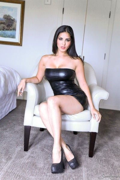 Sunny leone showing their way tits and spreading their way pussy