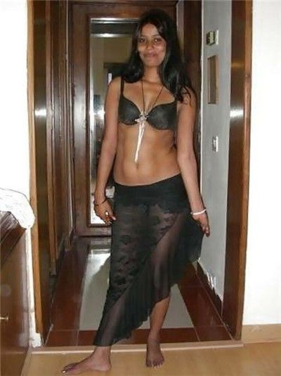Indian gfs are posing and fucking gallery 10