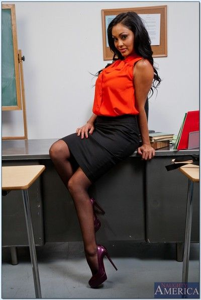 Foaming at the mouth hot bus with chubby tits Priya Anjali Rai brigandage in the class
