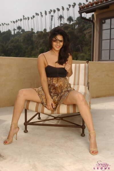 Guileless Life Sunny Leone