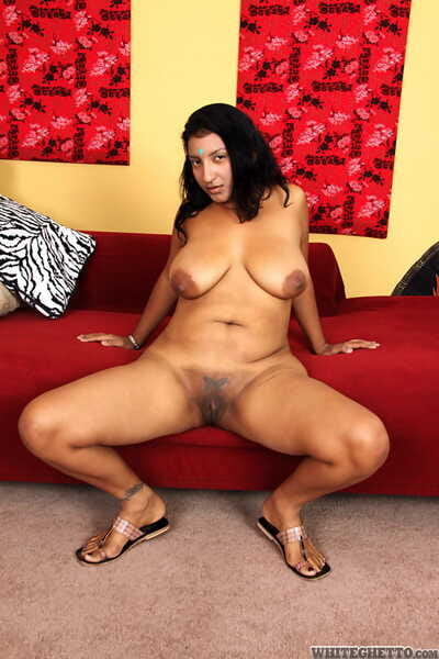 Indian plumper Charumati A getting jizz on floppy bosom probe shacking up on love-seat