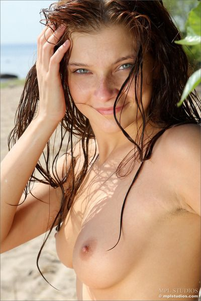 The old tree on a difficulty shore is a awe-inspiring place for Indiana A to pose nude and show off her steaming XXX..