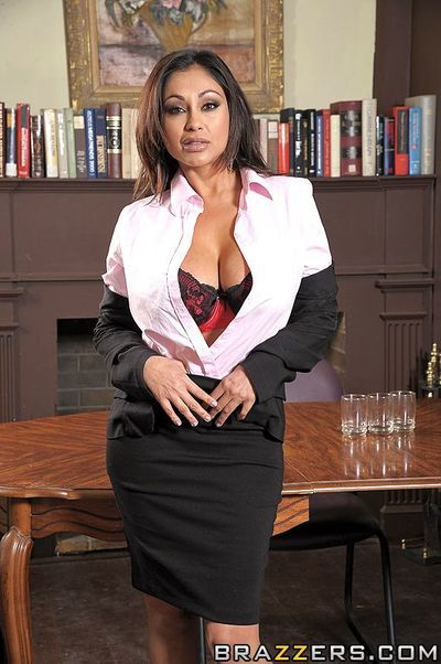 Well-endowed indian woman Priya Rai gets her exotic pussy banged in along to office
