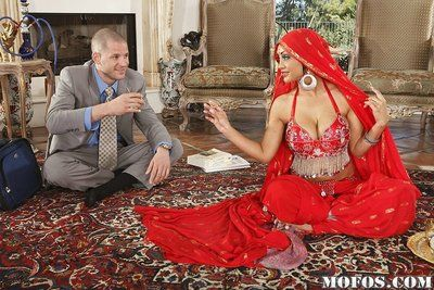 Gorgeous Indian pornstar Priya Rai blows big white horseshit and has a ride out of reach of douche